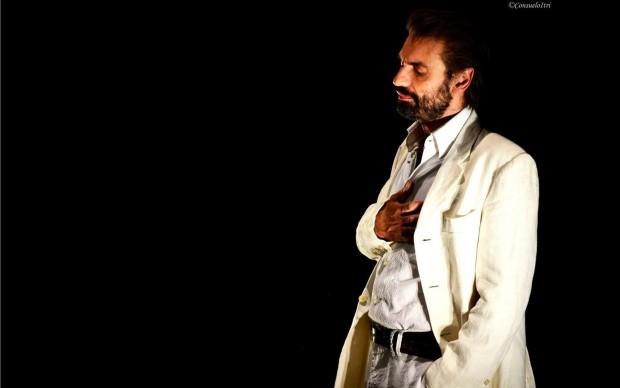 Teatro Firenze Lo straniero - Fabrizio Gifuni