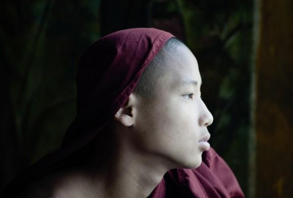 Yussof Knauss, fotografia tratta dal libro 'Burma/Myanmar. Im Fluss der Langsamkeit - Birmania/Myanmar. Nel fiume della lentezza'