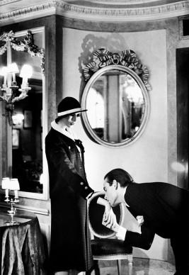 Helmut Newton, At Maxim's from the series Sleepless Nights Paris 1978 © Helmut Newton Estate
