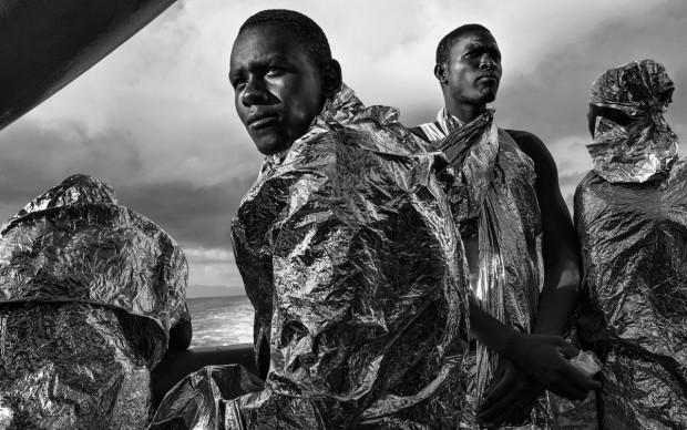 ©-Francesco-Zizola-In-the-Same-Boat-world-press-photo-2016