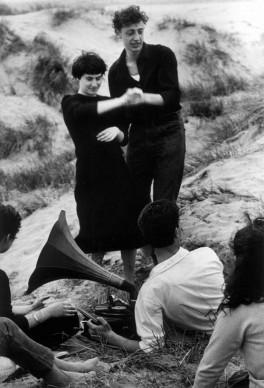 Lido di Venezia, 1958 © Gianni Berengo Gardin/Courtesy Fondazione Forma per la Fotografia