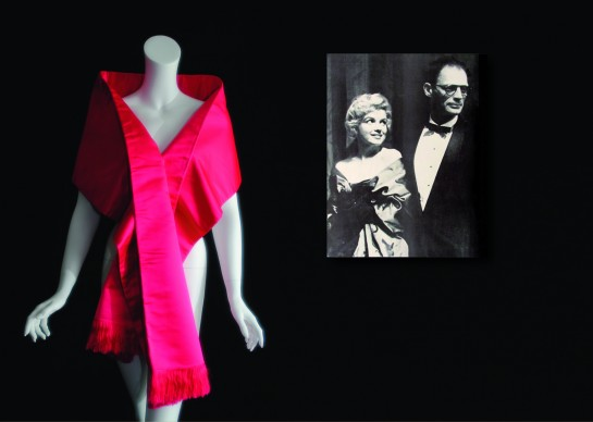 Marilyn Monroe's pink evening satin stole and press photo, Collection Stampfer. Image collage: Copyrights Ted Stampfer