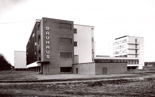Bauhaus Dessau 1926 - credit The Bauhaus-Archive. Courtesy Fotostiftung Schweiz_1