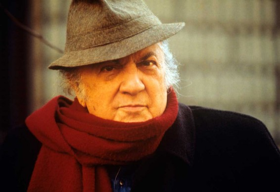 Federico Fellini nel 1993 (Photo by Mario Notarangelo/Mondadori Portfolio via Getty Images)