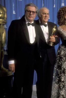 Marcello Mastroianni e Federico Fellini alla 65esima edizione degli Oscar, nel marzo del 1993 a Los Angeles (Photo by Ron Galella, Ltd./WireImage)