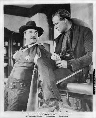 Karl Malden e Marlon Brando nel film One-Eyed Jacks