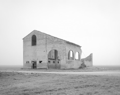 Paola De Pietri, Senza titolo dalla serie Questa Pianura, 2015, 138x110 cm © Paola De Pietri, Courtesy Galleria Alberto Peola, Torino