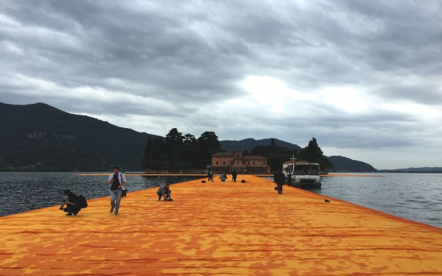 Christo, The Floating Piers, Lago d'Iseo, photo by Caterina Porcellini