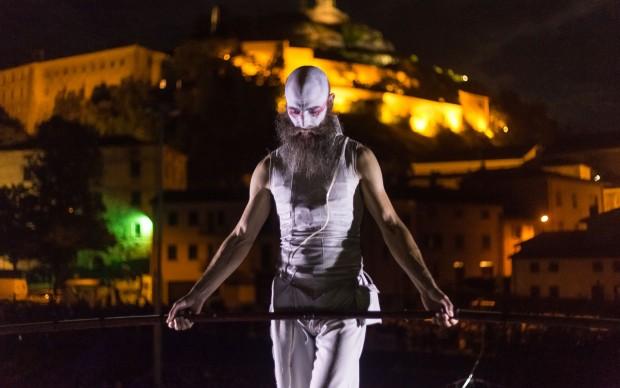 NOGRAVITY4MONKS-festival-del-circo