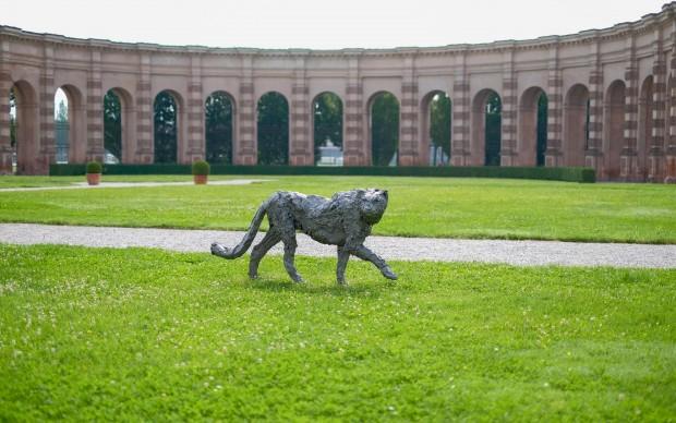 Davide Rivalta, Ghepardo, acciaio inox, collezione privata. Installation view di Un sogno fatto a Mantova, Palazzo Te