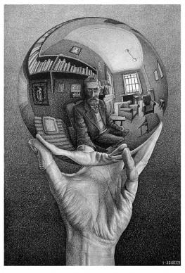 Maurits Cornelis Escher, Mano con sfera riflettente, 1935. Litografia, 31,1x21,3 cm, Fondazione M.C. Escher All M.C. Escher works © 2016 The M.C. Escher Company The Netherlands. All rights reserved