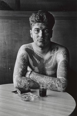 Diane Arbus,  Jack Dracula at a bar, New London, Conn.  1961 © The Estate of Diane Arbus, LLC. All Rights Reserved