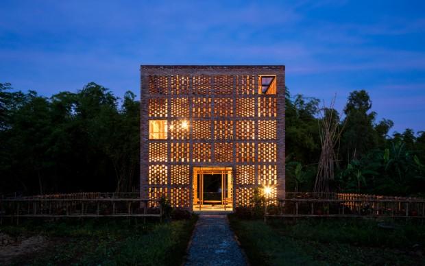 Tropical Space Co., Terra Cotta Studio, Vietnam, photo by Hiroyuki Oki