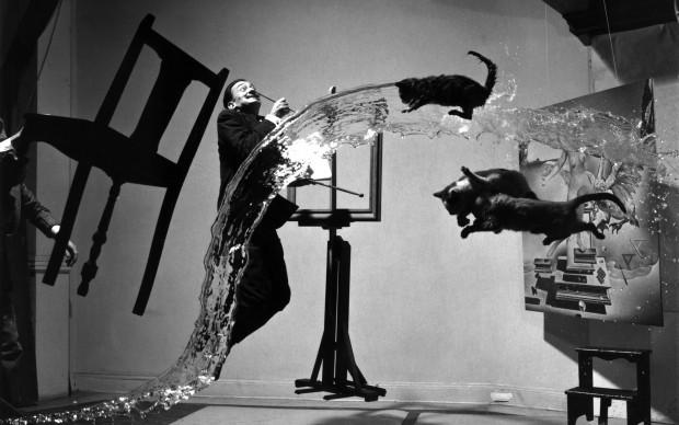 Dalí Atomicus, 1948 © Philippe Halsman Archive
