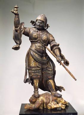 Tamonten (Vaisravana), Periodo Heian, XII secolo. Legno dipinto, altezza 157,5 cm. Nara National Museum, Importante proprietà culturale