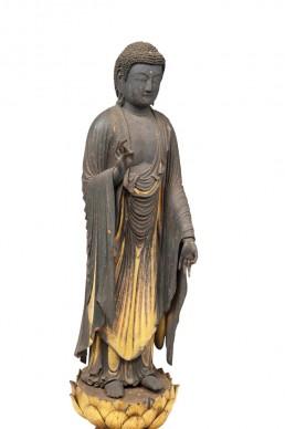 Amida Nyorai (Amitābha), Periodo Kamakura, XIII secolo. Legno, miscela di polvere d'oro, filo d'oro, altezza 97,4 cm. Tokyo National Museum