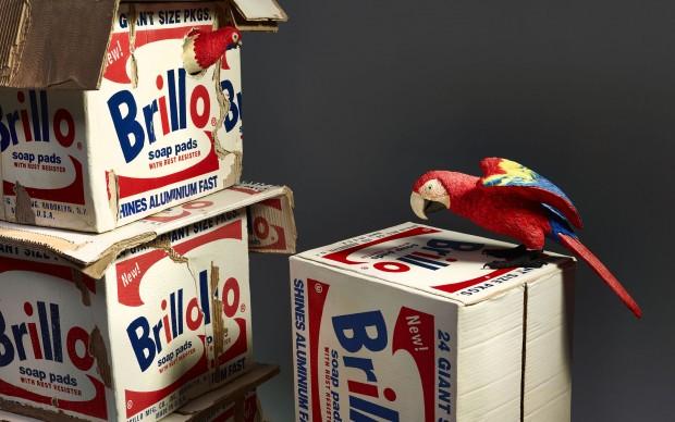 Bertozzi e Casoni, Brillo box con pappagalli, 2016, ceramica policroma