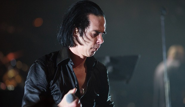 Nick Cave live nel 2013 by Bruce fonte Flickr