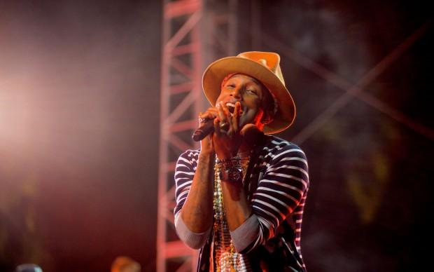 Pharrell Williams_2014_Coachella_Valley_Music_and_Arts_Festival-fonte-Wikipedia