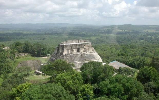belize tomba ipogea maya scoperta archeologica