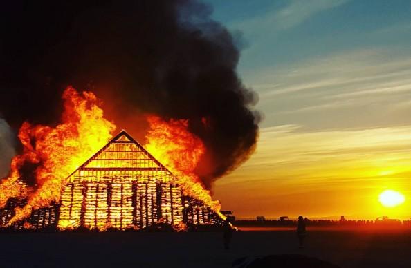 Burning Man 2016, fonte Instagram, photo by spunkyrussian
