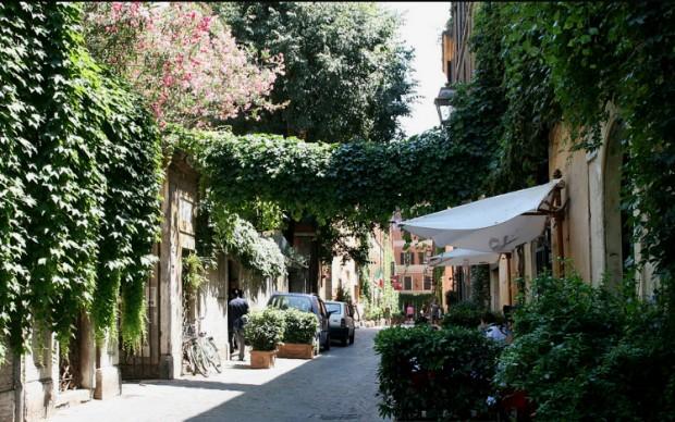 Via-Margutta-scolpisce il contemporaneo Roma