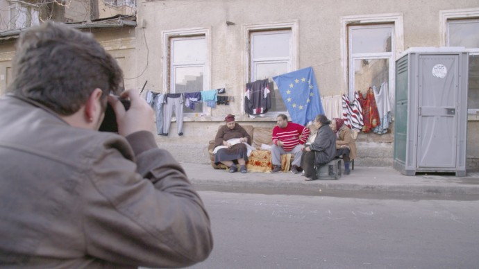 Gabriele Micalizzi, vincitore della prima edizione di Master of Photography, mentre partecipa all'ultima sfida del nuovo talent show