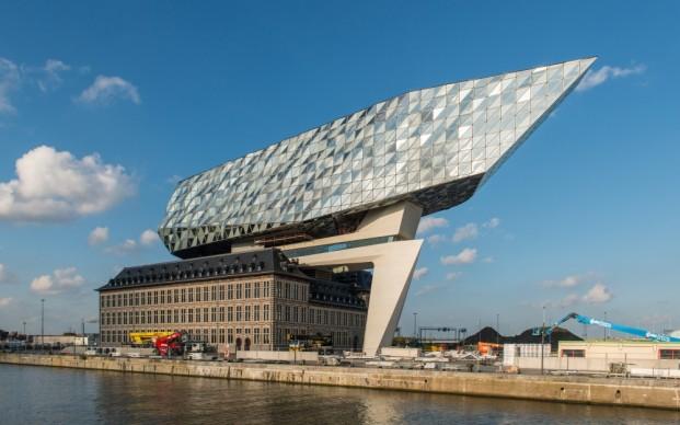Zaha Hadid, Port Haus, Anversa. Copyright Havenbedrijf Antwerpen – Peter Knoop