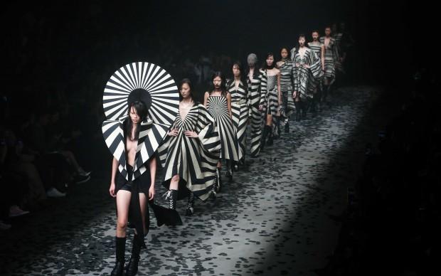 Mercedes-Benz China Fashion Week_Gareth Pugh