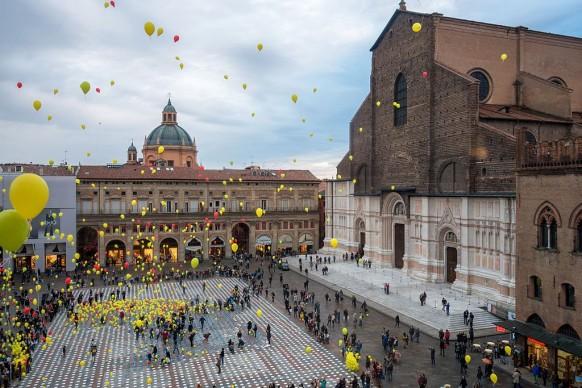 Ugeorge, Manifestazione di beneficenza - Piazza Maggiore - Bologna (BO), 2016, tra i vincitori di Wiki Loves Monuments Italia
