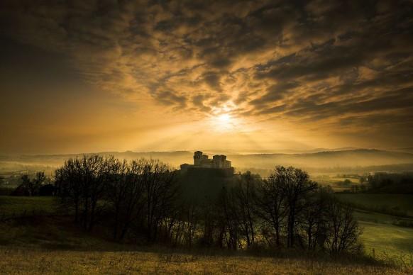 Lara_zanarin, Luci al tramonto - Castello di Torrechiara - Langhirano (PR), 2016, tra i vincitori di Wiki Loves Monuments Italia