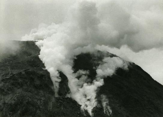 Werner Herzog, La Soufrière – Warten auf eine unausweichliche Katastrophe, 1977 © L'artiste et Potemkine Films