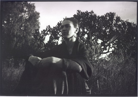 Frida by the Cactus, Messico, 1933 © Lucienne Bloch