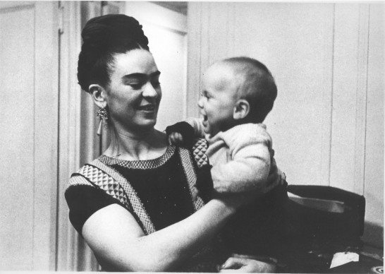Frida with Her Godson, New York City, 1938 © Lucienne Bloch