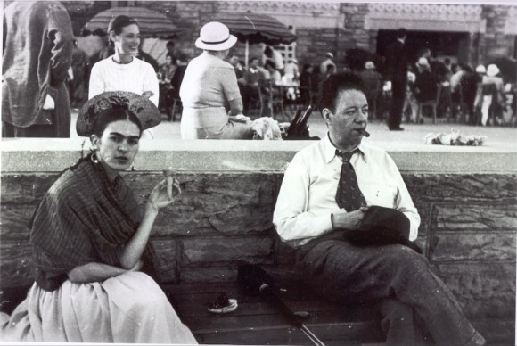 Frida with the Ice Cream Cone, Jones Beach - New York, 1933 © Lucienne Bloch