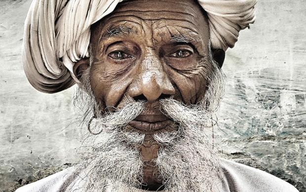 Mario Marino: Portrait eines Farmers, Indien, 2013 Archival Pigment Print on Hahnemühle, 85 x 60 cm