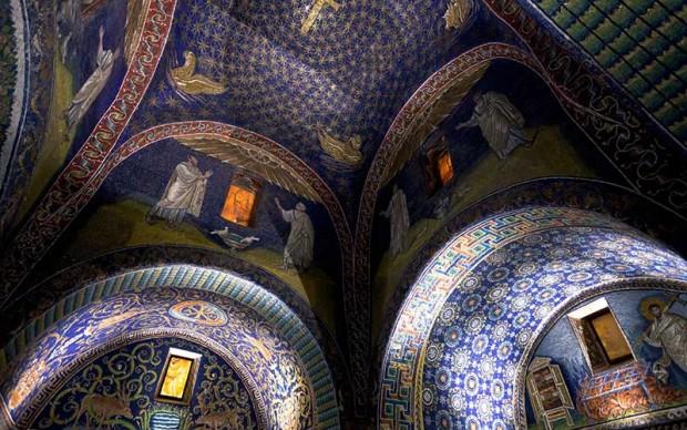 Ravenna - Mausoleo Galla Placidia Foto di Vvoe - Shutterstock