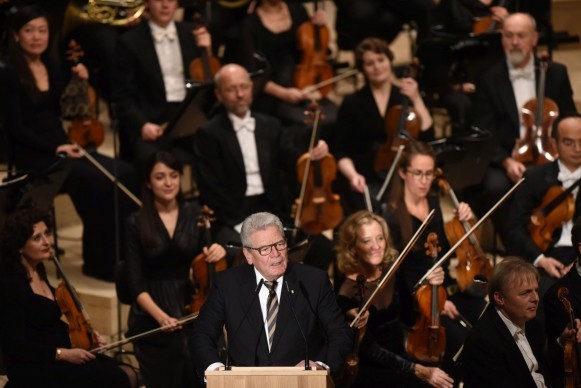 Il presidente federale della Germania Joachim Gauck durante la cerimonia di inaugurazione dell'Elbphilharmonie di Amburgo, 11 gennaio 2017