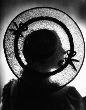 Ricami di Luce, Elio Luxardo – 1940,  Archivio Fotografico Fondazione 3M