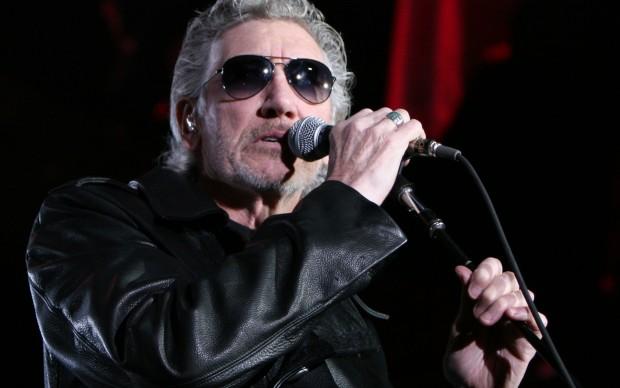 Roger Waters_en_el_Palau_Sant_Jordi_de_Barcelona_(The_Wall_Live) fonte wikipedia