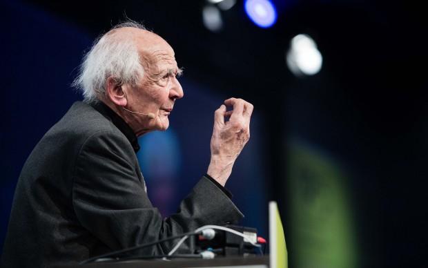 Zygmunt Bauman presenzia a re:publica 2015, Berlino, maggio 2015. Copyright re:publica/Jan Zappner, fonte Wikipedia