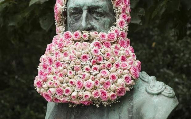 geoffrey mottart guerrilla guardening statue bruxelles fiori