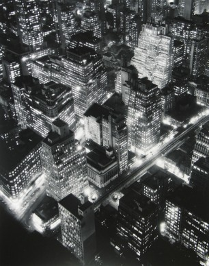 Nightview, New York, 1932 © Berenice Abbott - Commerce Graphics - Getty Images. Courtesy of Howard Greenberg Gallery, New York