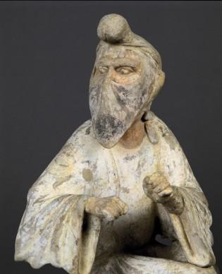 Straniero dal volto velato, Cina settentrionale (Shaanxi?), metà VII-metà VIII secolo, Dinastia Tang (618-907), Torino, MAO Museo d'Arte Orientale