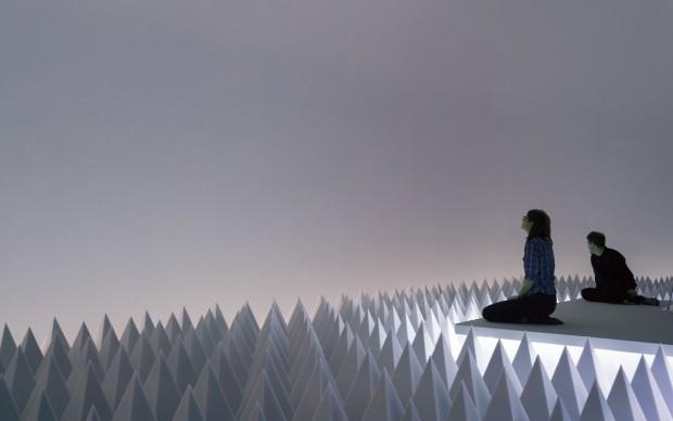 Doug Wheeler: PSAD Synthetic Desert III, Solomon R. Guggenheim Museum, New York, March 24–August 2, 2017 Photo: David Heald © Solomon R. Guggenheim Foundation