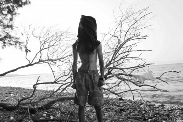 Walid, ventiquattrenne da Raqqa, Siria. Non ha voluto essere riconosciuto per timore di ripercussioni sulla sua famiglia, rimasta a casa. Kos, Grecia, 2015. © Paolo Pellegrin/Magnum Photos