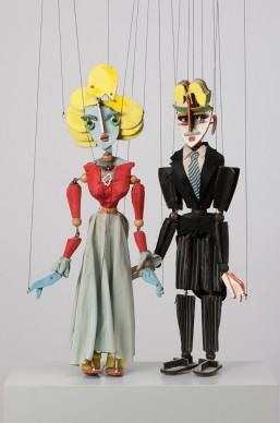 Josef Müller-Brockmann for the Zürcher Marionetten, puppets Helene and Robert for Paul Hindemith's short opera Hin und zurück, 1951, © Münchner Stadtmuseum