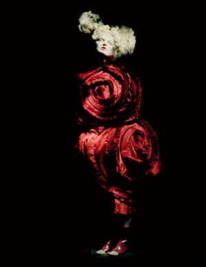 Rei Kawakubo for Comme des Garçons, Blood and Roses, spring/summer 2015; Courtesy of Comme des Garçons. Photograph by © Paolo Roversi; Courtesy of The Metropolitan Museum of Art