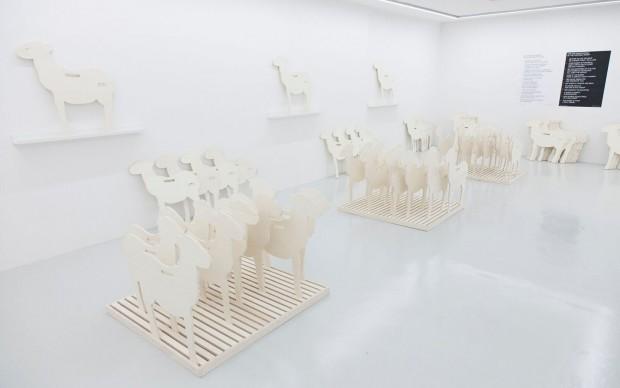 Gianfranco Baruchello, Adozione della pecora, veduta dell'installazione, 2016. Courtesy Fondazione Baruchello. Crediti fotografici: Federico Maria Tribbioli