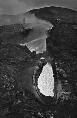 ITALY, Sicily, Mount Etna: Eruption. (c) Ferdinando Scianna/Magnum Photos